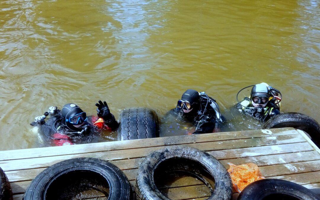 Powiat Iławski wesprze organizacyjnie akcję sprzątania dna jeziora prowadzoną przez Klub Nurkowy IOWA