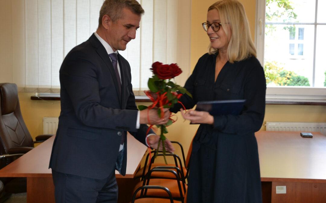 Nagrody dla dziesięciu pedagogów ze szkół Powiatu Iławskiego z okazji Dnia Edukacji Narodowej